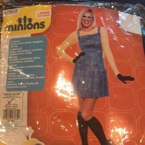 Women's size medium minion costume